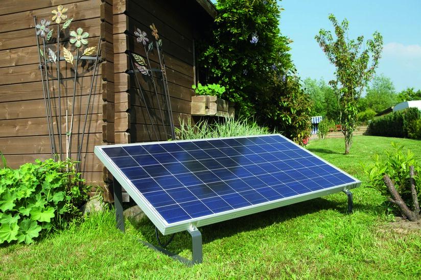 miniJOULE plug&play Solaranlage installiert im Garten